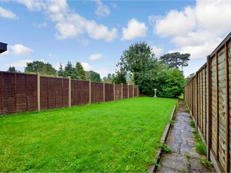 3 bedroom semi-detached house in East Grinstead