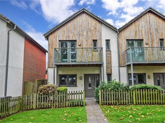 3 bedroom semi-detached house in Chichester