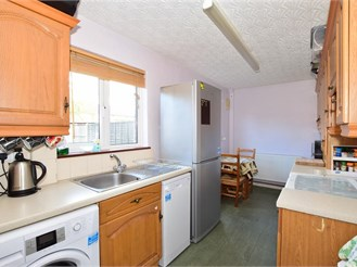 2 bedroom end of terrace house in Leigh Park, Havant