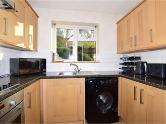 1 bed ground floor maisonette in Cheam