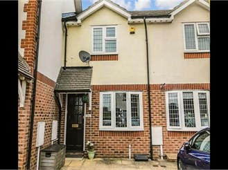 2 bedroom terraced house in Godstone