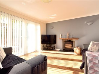 4 bedroom detached house in Peacehaven