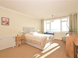 1 bedroom fourth floor flat in Worthing