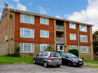 2 bedroom first floor apartment in Woodingdean, Brighton