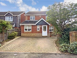 3 bedroom detached house in Maidenbower, Crawley