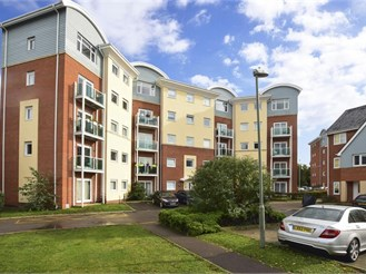 2 bedroom fourth floor apartment in Redhill