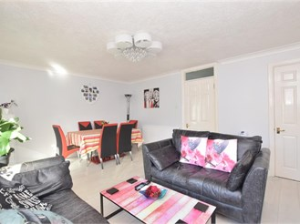 2 bedroom ground floor apartment in Southbourne
