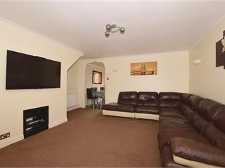 3 bedroom terraced house in Gossops Green, Crawley