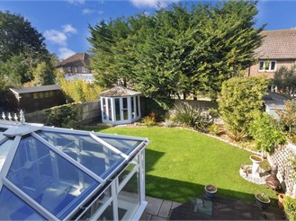 5 bed detached house in Fontwell, Arundel