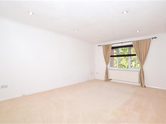 2 bedroom second floor apartment in Sutton