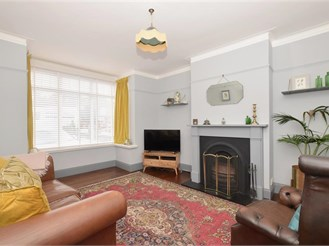 3 bedroom semi-detached house in Bedhampton