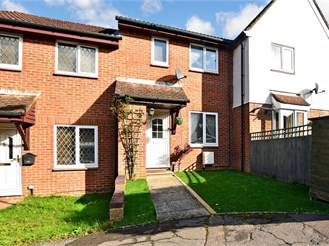 2 bedroom terraced house in Tollgate Hill, Crawley