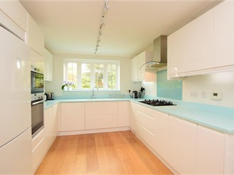 4 bedroom detached house in Barcombe, Lewes