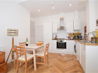 1 bedroom ground floor converted flat in South Croydon