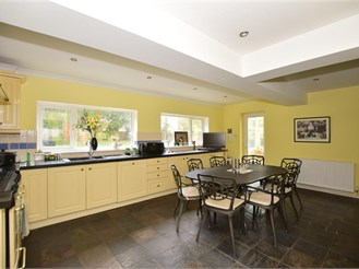 4 bedroom detached house in Southwater, Horsham