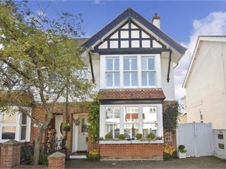 3 bedroom semi-detached house in Bognor Regis