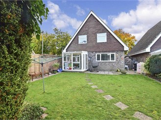 4 bed detached house in Banstead