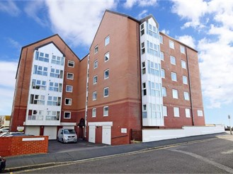 1 bedroom fourth floor retirement flat in Seaford