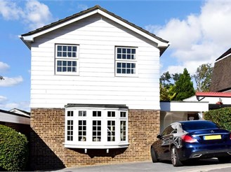 3 bedroom detached house in Sutton