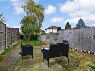 2 bedroom semi-detached house in Caterham