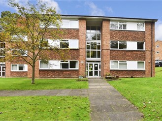 2 bed first floor flat in Whyteleafe