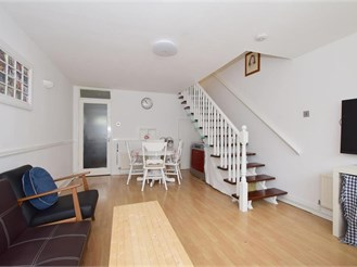 2 bedroom first floor maisonette in Sutton