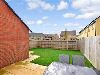 4 bedroom semi-detached house in Chichester