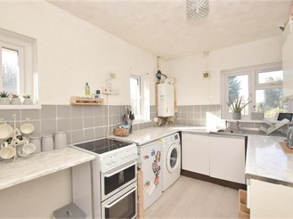 2 bedroom top floor maisonette in Fareham
