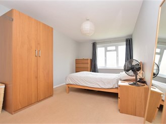 1 bedroom first floor apartment in Redhill