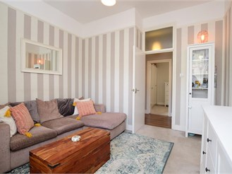 1 bedroom ground floor converted flat in Brighton