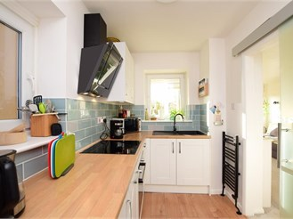 2 bedroom second floor flat in Hove