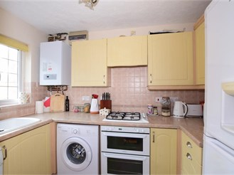 2 bedroom attached house in Storrington