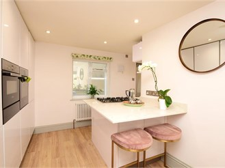 2 bedroom ground floor maisonette in Brighton