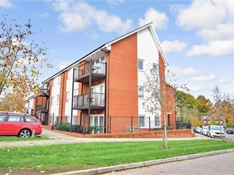 2 bedroom ground floor flat in Haywards Heath