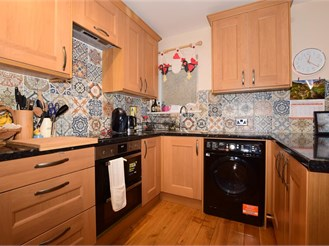 1 bedroom top floor maisonette in Mitcham Junction