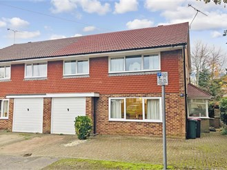 4 bedroom semi-detached house in West Green, Crawley