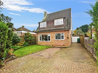 5 bedroom detached house in Reigate
