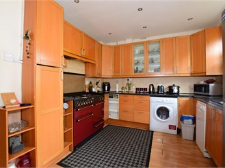 3 bed semi-detached house in Shirley, Croydon