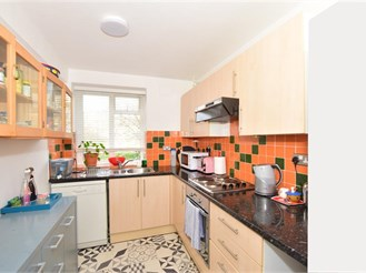 3 bed ground floor apartment in Hove