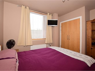 1 bedroom second floor apartment in Croydon