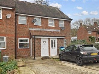 2 bedroom terraced house in Arundel