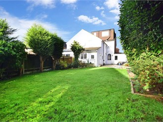 5 bedroom semi-detached house in Banstead