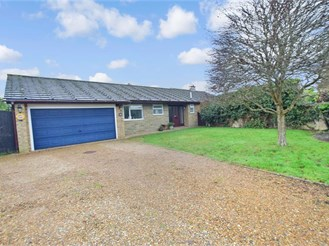4 bedroom detached bungalow in Kenley