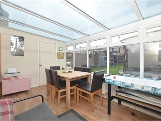 3 bedroom semi-detached house in Waterlooville