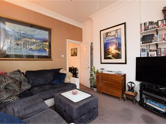 2 bedroom first floor converted flat in Brighton