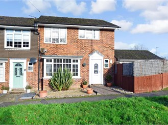 4 bedroom end of terrace house in Waterlooville