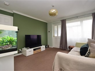 1 bedroom ground floor maisonette in Horsham