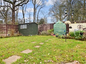 3 bedroom end of terrace house in Cranleigh