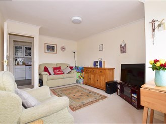 1 bedroom first floor apartment in Sutton