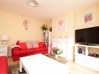 2 bedroom basement maisonette in Brighton